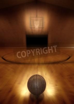 Poster Basquetebol no assoalho da quadra de basquete vazia