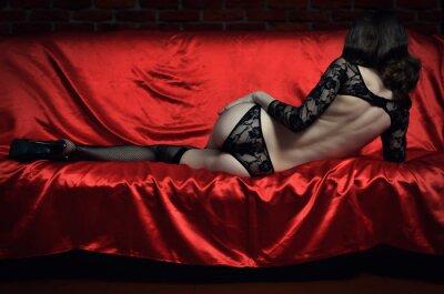 Poster Bela e sexy mulher jovem em lingerie erótica e meias