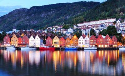 Poster Bergen visão noturna Cityscape reflexão