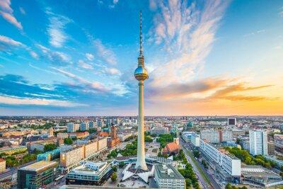 Poster Berlin skyline panorama com a torre de TV ao pôr do sol, Alemanha