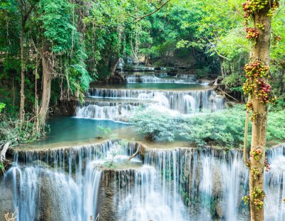 Poster Cachoeira profunda em Huay Mae Kamin, Kanchanaburi, na Tailândia