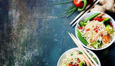 Poster Chinese noodles with vegetables and shrimps