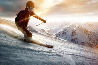 Poster Esquiador em um ajuste do sol