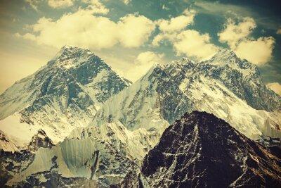 Poster Imagem tonificada retro da montagem Everest, Nepal.
