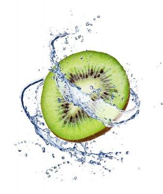 Poster Kiwi no respingo da água, isolado no fundo branco