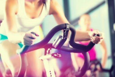 Poster Leute Spinning beim no Esporte Fitnessstudio