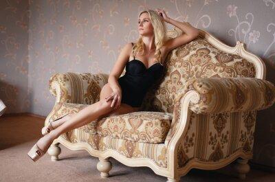 Poster Menina loira bonita em uma lingerie sexy