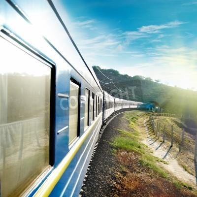 Poster Movimento de trem e azul carroça. Transporte urbano