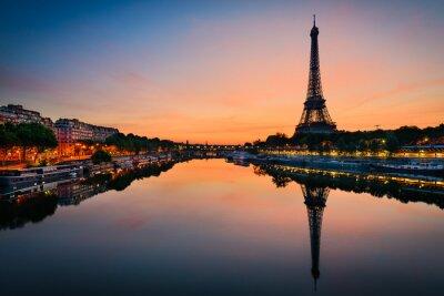 Poster Nascer do sol na torre Eiffel, Paris