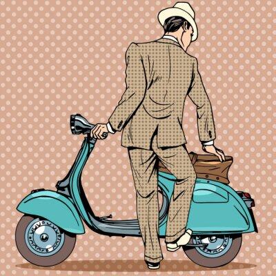Poster O homem recebe uma scooter