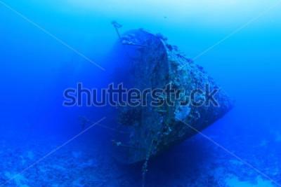 Poster O Salem Express era um navio de passageiros que afundou no Mar Vermelho. É controverso devido à trágica perda de vidas que ocorreu quando ela afundou pouco depois da meia-noite de 17 de dezembro de 19
