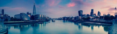Poster Panoramic view on London and Thames at twilight, from Tower Brid