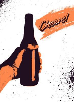 Poster Projeto tipográfico do cartaz do grunge do estilo do vintage da cerveja. A mão segura uma garrafa de cerveja. Ilustração vetorial retrô.
