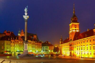 Poster Quadrado do castelo na noite em Varsóvia, Poland.