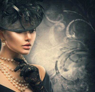 Poster Retrato retro da mulher. Menina do estilo do vintage que desgasta o chapéu antiquado