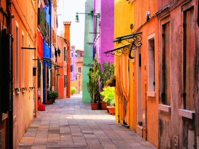 Poster Rua colorida em Burano, perto de Veneza, Itália