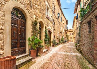 Poster Ruas bonitas e coloridas da pequena e histórica de Tuscan