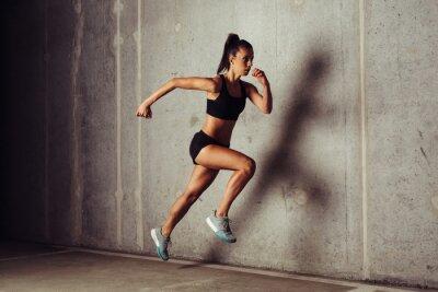 Poster Slim, atraente, sportswoman, Executando, contra, concreto, fundo