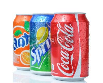 Poster SOFIA, Bulgária - 27 de abril de 2013: Coca-Cola, Fanta e Sprite Latas isoladas no branco. Os três bebidas produzidas pela The Coca-Cola Company