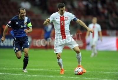 Poster VARSÓVIA, POLAND - 07 de setembro de 2015: EURO 2016 France Football Euro Cup Qualifiers Polónia vs Roy Gibraltarop Chipolina Robert Lewandowski