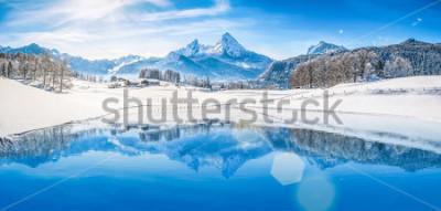 Poster Vista panoramic, de, bonito, branca, inverno, wonderland, paisagem, em, alpes, com, nevado, montanha, summits, refletir, em, cristal, claro, montanha, lago, ligado, um, gelado, dia ensolarado, com, cé