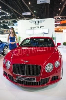 Poster BANGKOK - 28 de novembro: Bentley Continental GT Speed em exibição na 30ª Tailândia International Motor Expo 2013, em Bangkok, Tailândia.