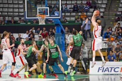 Poster Michael Roll of Zaragoza na ação no fósforo espanhol Basketball League entre Joventut e CAI Zaragoza, contagem final 82-57, em 13 de abril de 2014, em Badalona, Espanha
