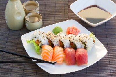 Quadro almoço com prato de sushi