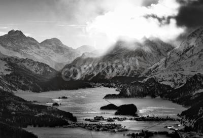 Quadro Alta vista do vale com a Engadine Sils Maria odeia aldeias onde ele viveu o filósofo Nietzsche