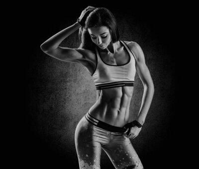 Quadro atraente mulher de fitness, corpo feminino treinado, estilo de vida portrai