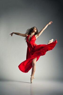 Quadro Bailarina usando um vestido vermelho sobre o cinza