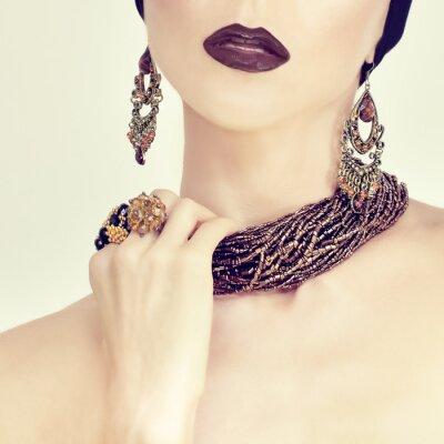 Quadro beleza retrato de uma menina sensual em jóias