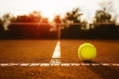 Quadro Bola em uma quadra de tênis