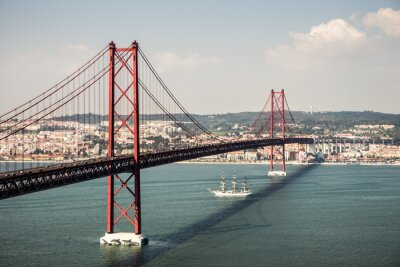 Quadro Brücke Ponte 25 de Abril in Lissabon