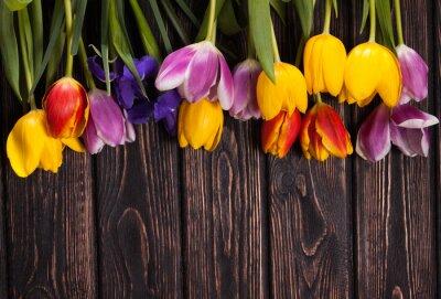Quadro Buquê de tulipas em madeira