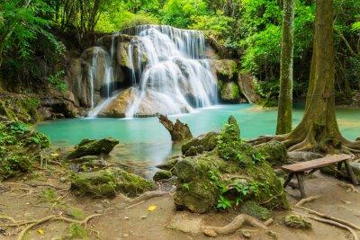 Quadro Cachoeira Huai Mae Khamin na província de Kanchanaburi, Tailândia.