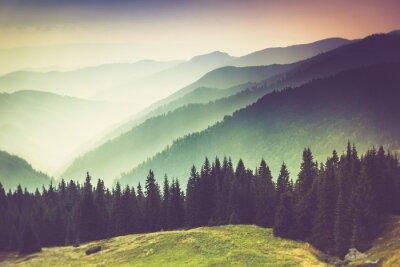 Quadro Camadas de montanha e neblina nos vales.