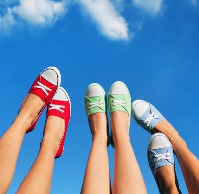 Quadro Caminhar sobre o céu, verão e amizade conceito