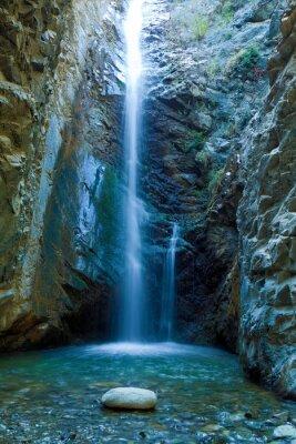 Quadro Chantara Cachoeiras nas montanhas Trodos, Chipre