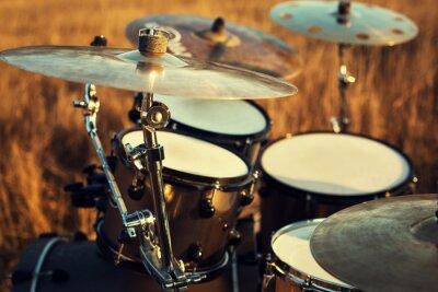 Quadro Close up acidente fina sobre um conjunto de tambores