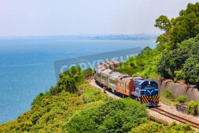 Quadro Comboio na ferrovia perto da estação de Fangshan em pingtung, Taiwan