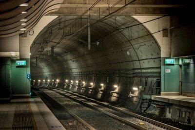 Quadro estação ferroviária e túnel