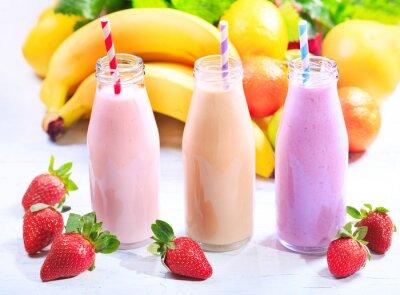 Quadro Garrafas de smoothie com frutas frescas