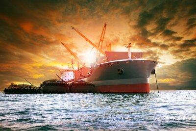 Quadro grande navio de contentores que carrega produtos industriais para negócios logísticos