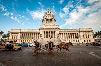 Quadro HAVANA, CUBA - JUNHO 7: Edifício de capital de Cuba junho, 7o 2011 eu