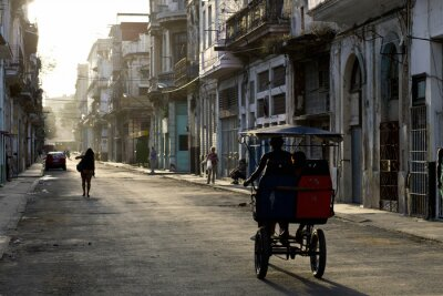 Quadro Início da manhã nas ruas de Havana Vieja