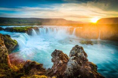 Quadro Islândia, Godafoss ao pôr do sol, bela cachoeira, exposição longa