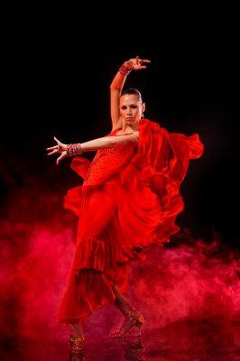 Quadro Jovem mulher dançando Latino no fundo escuro esfumaçado