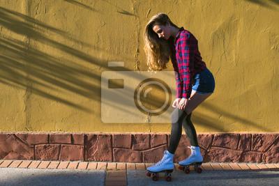 Quadro Jovem, mulher, rolo, patins
