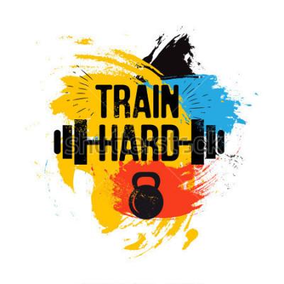 Quadro kettlebell preto e barra na escova colorida fundo com frase inspiradora - treino duro. Citação de esporte fitness. Ilustração vetorial para clube de musculação, camiseta, pôster